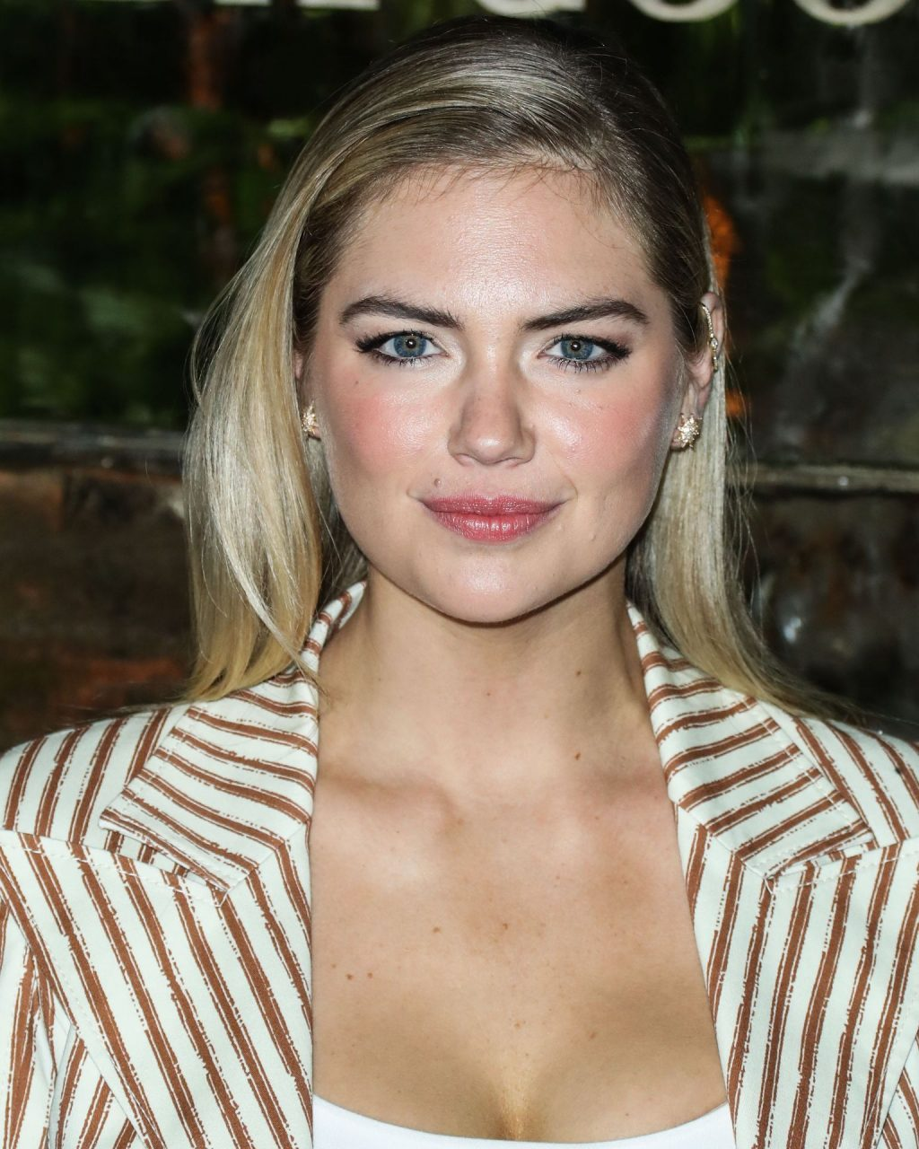 Kate Upton Sexy The Fappening Blog 99 1024x1280 - Kate Upton Attends Canada Goose And Vogue Cocktails & Conversations (104 Photos)