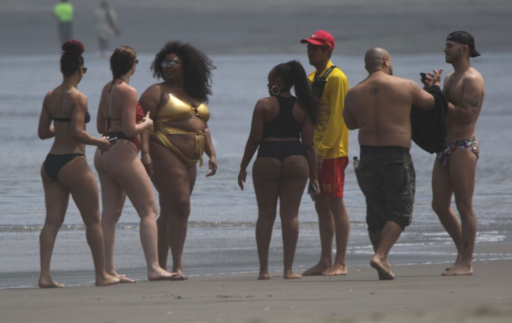 Lizzo Stands Out in a Gold Bikini in Auckland (36 Photos)