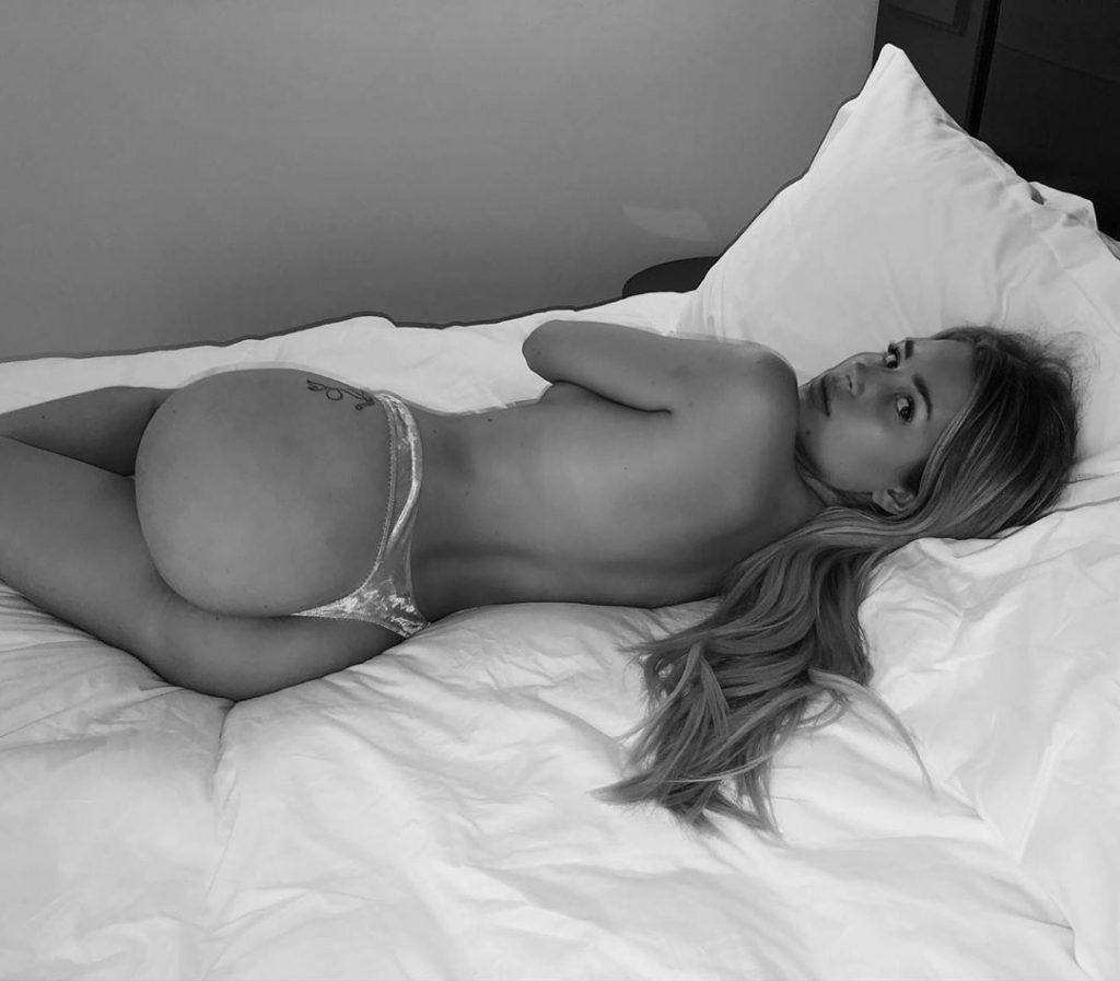 Lottie Moss Topless The Fappening Blog 2 1024x897 - Lottie Moss Topless (4 Photos + Video)