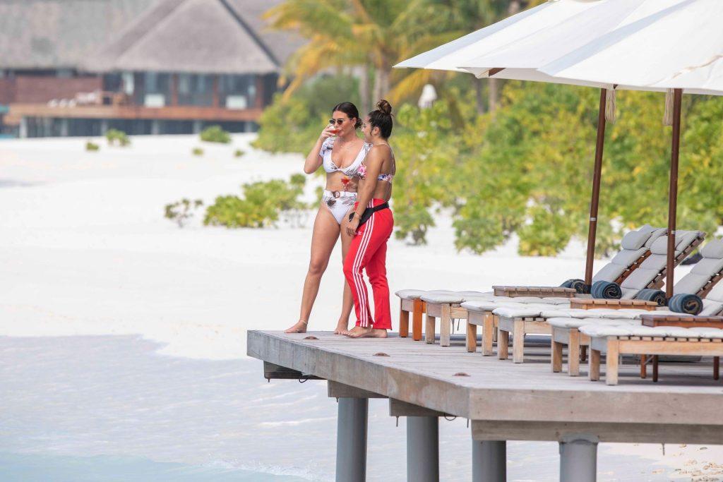 Megan Barton-Hanson & Chelcee Grimes Seen Enjoying Their Holiday in the Maldives (33 Photos)
