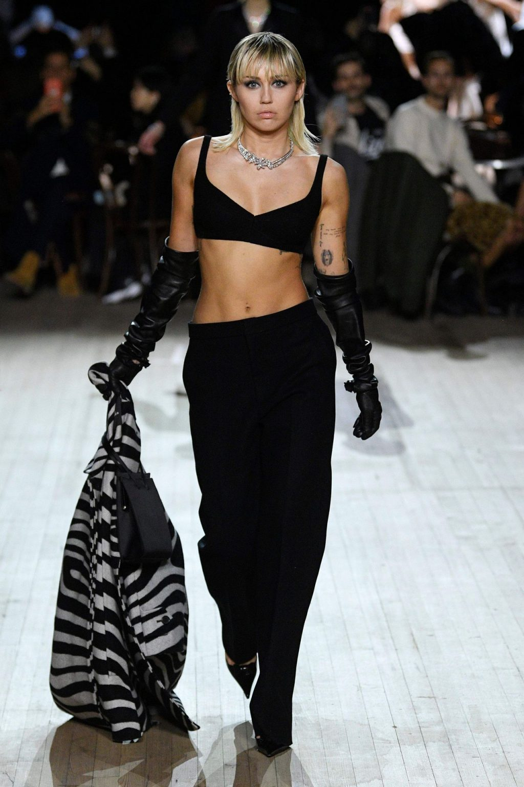 Miley Cyrus Sexy The Fappening Blog 11 4 1024x1536 - Miley Cyrus Walks the Runway at the Marc Jacobs Show (22 Photos + GIF & Video)