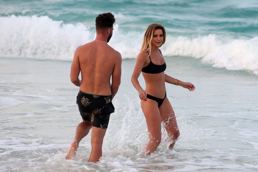 Olivia Bentley Sexy The Fappening Blog 10 1024x683 - Olivia Bentley and Joshua Ritchie Enjoy Their Vacation in Punta Cuna (26 Photos)