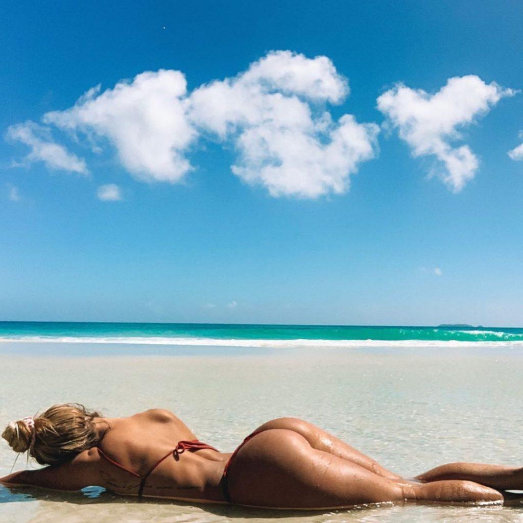 Rosanna Arkle's Sexy Ass (20 Photos)