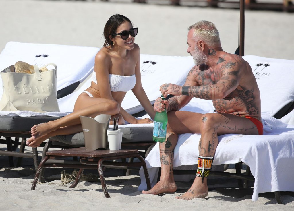 Sharon Fonseca Flaunts Her Sexy Bikini Body on the Beach (6 Photos)