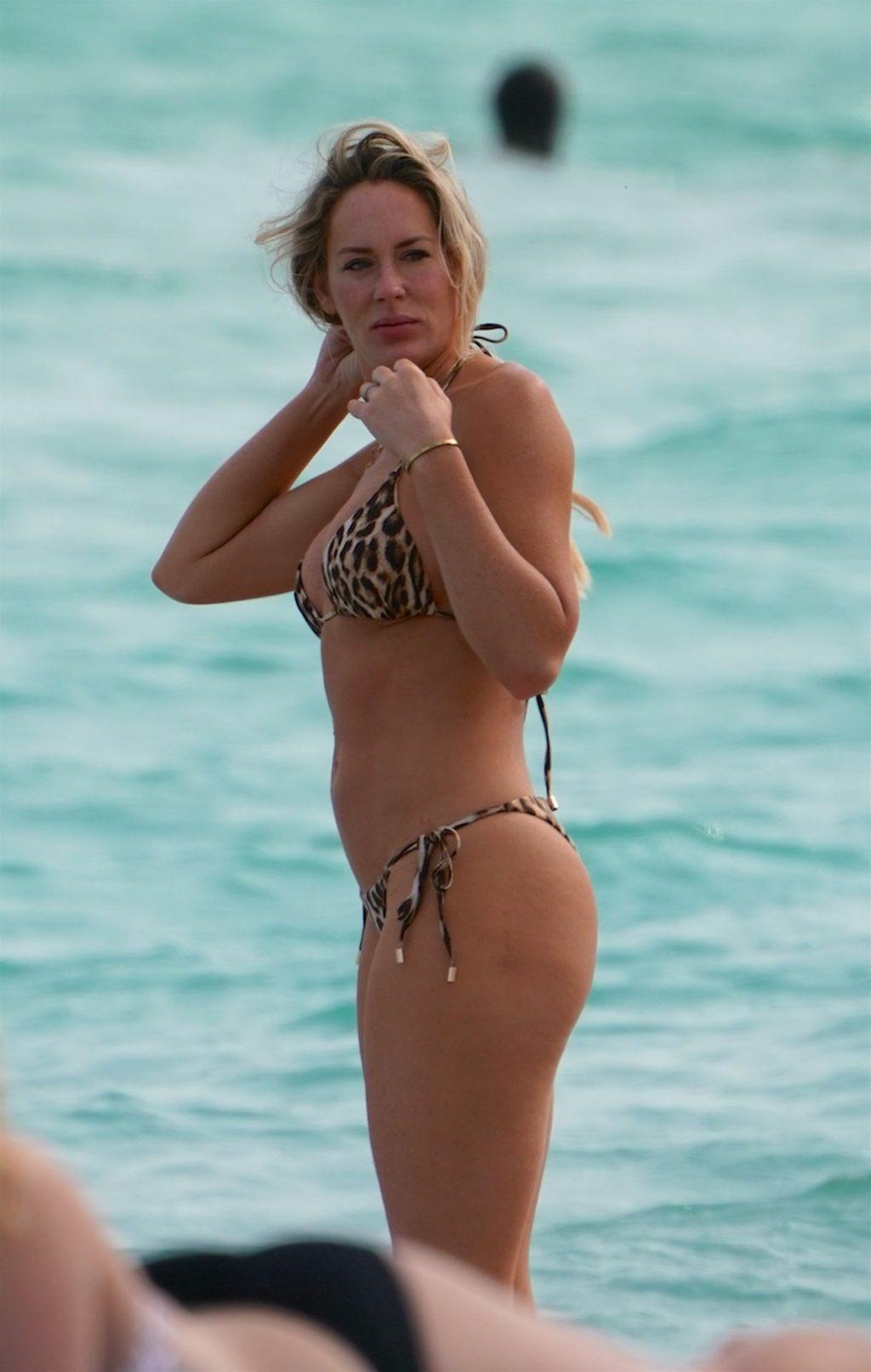 Super Bowl WAG Stephanie Toilolo Is In a Bikini at The Beach In Miami (7 Photos)