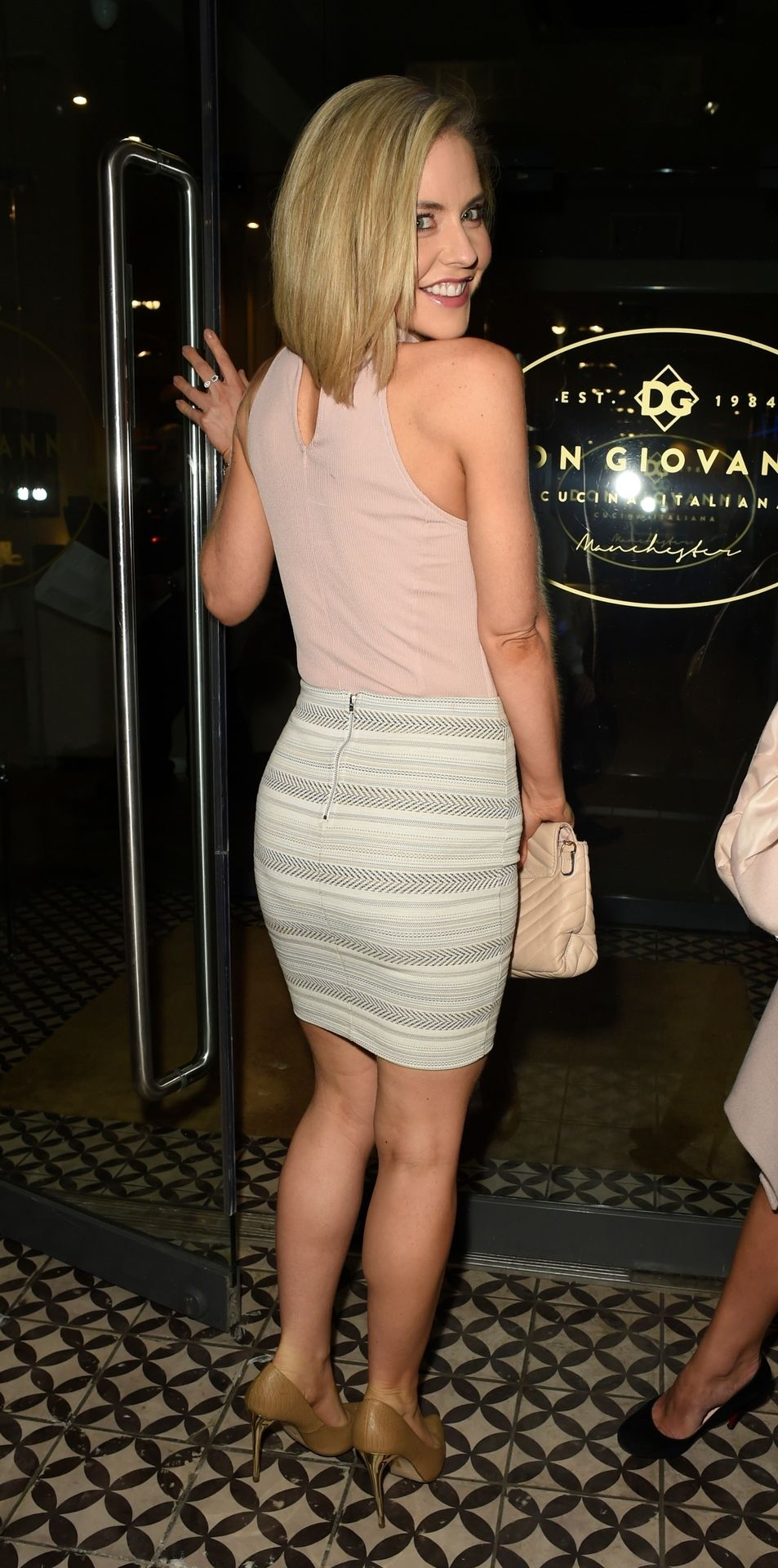 Braless Stephanie Waring Pictured at Don Giovanni Restaurant in Manchester (43 Photos)