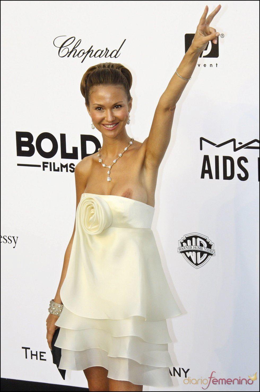 Svetlana Metkina's Nude Boobs (4 Photo)