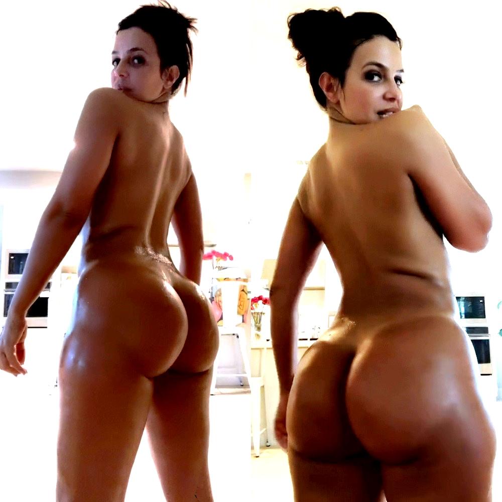 Vida Guerra's Bare Butt (7 Pics + GIF)