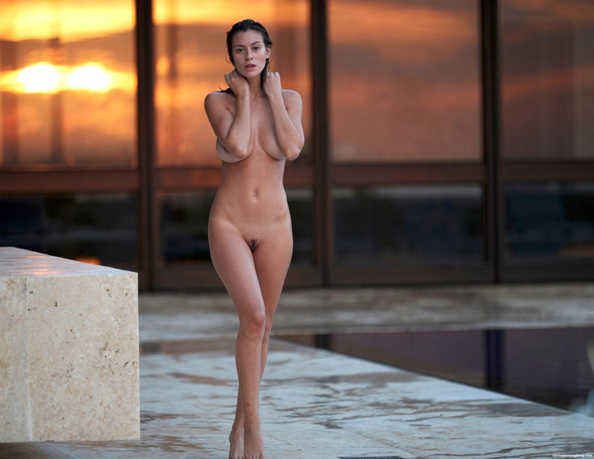 Alejandra-Guilmant-Naked-Tits-191-thefappeningblog.com_.jpg