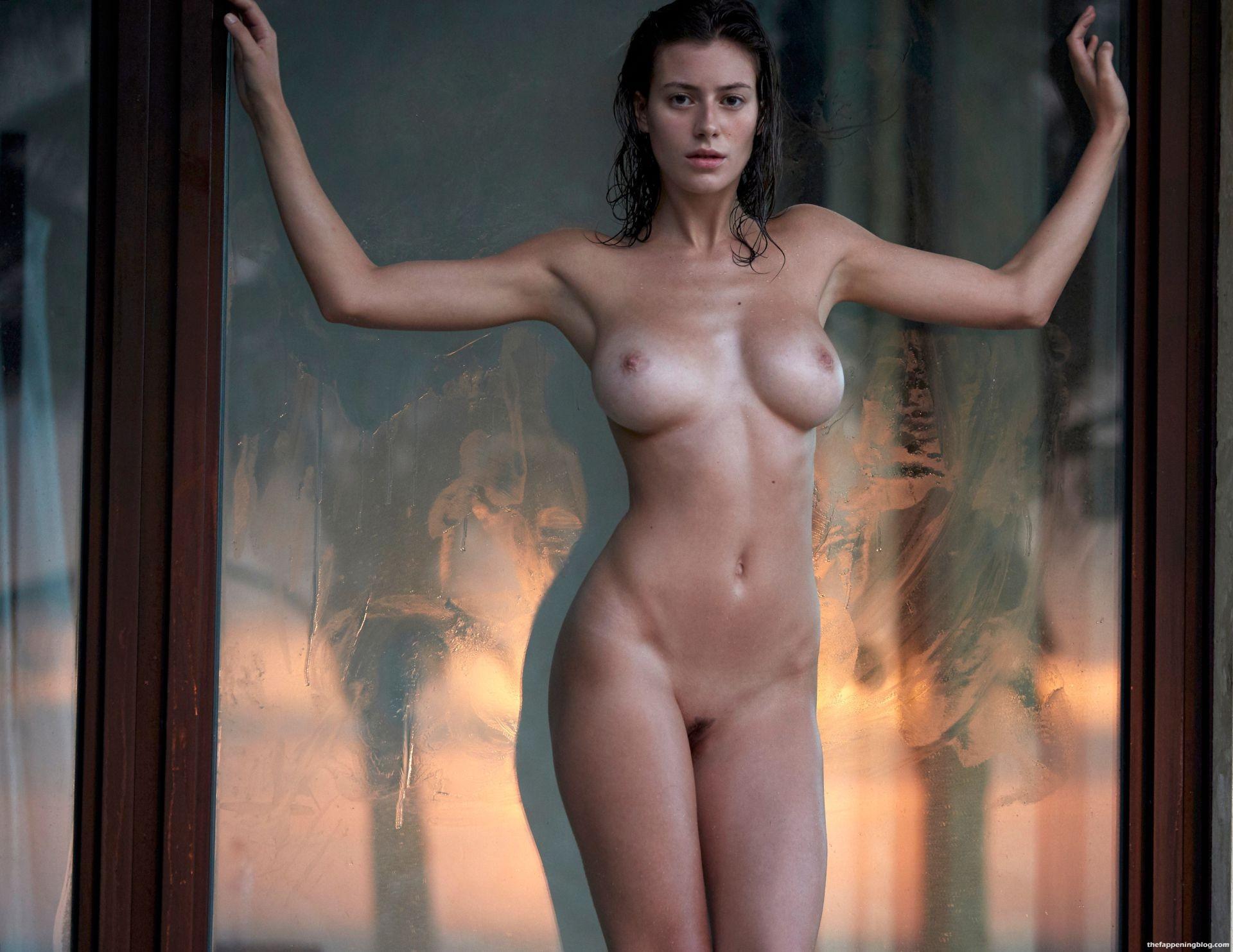 Alejandra-Guilmant-Naked-Tits-22-11-thefappeningblog.com_.jpg