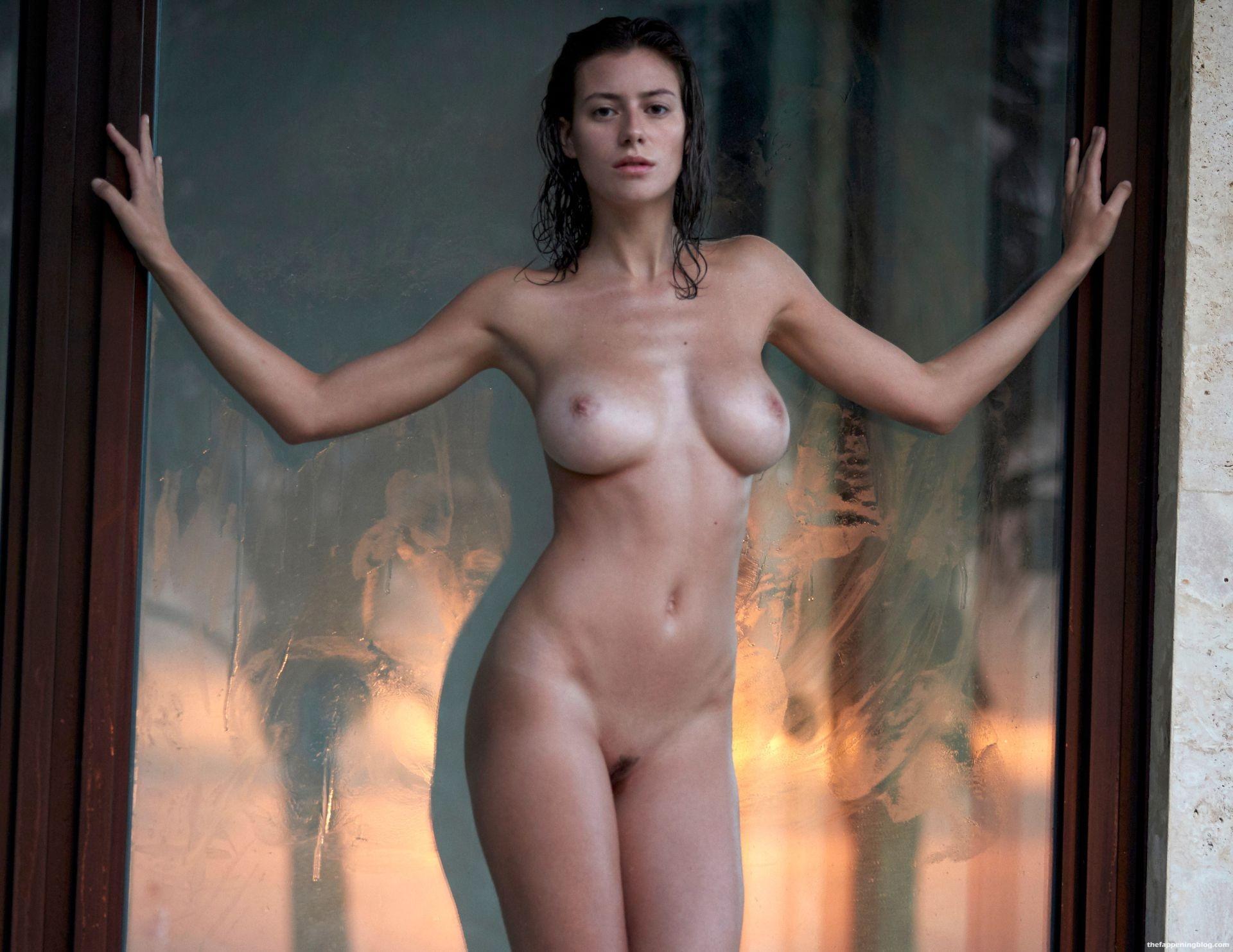 Alejandra-Guilmant-Naked-Tits-231-thefappeningblog.com_.jpg