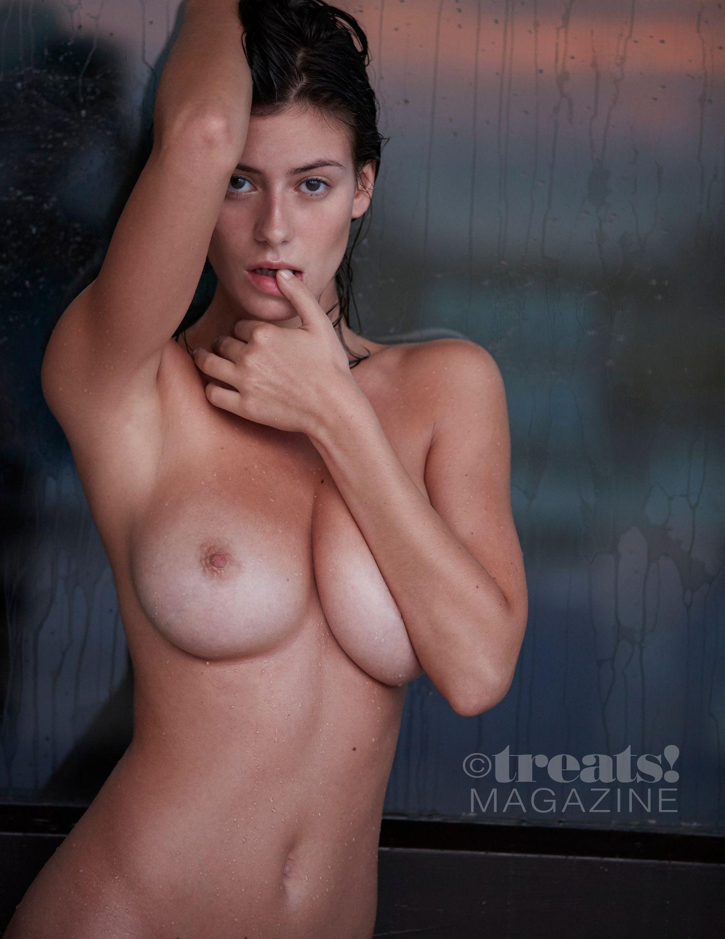 Alejandra-Guilmant-Nude-The-Fappening-Blog-15.jpg