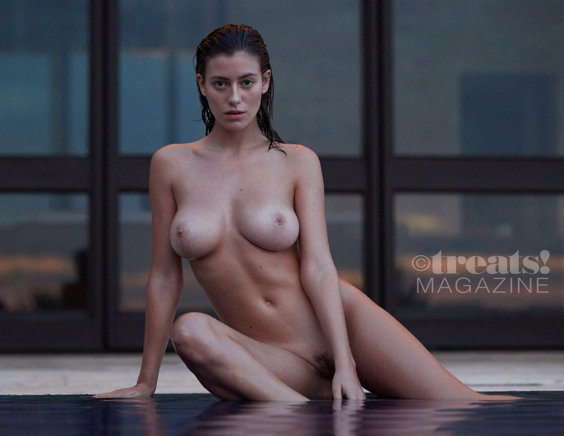 Alejandra-Guilmant-Nude-The-Fappening-Blog-6.jpg