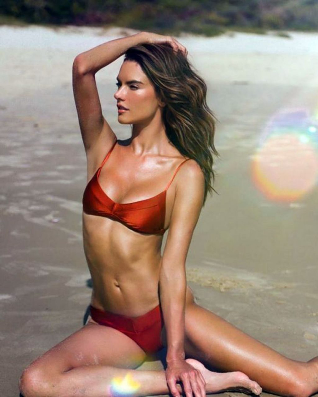 Alessandra Ambrosio Presents the New Campaign of Her Brand Gal Floripa (8 Photos)