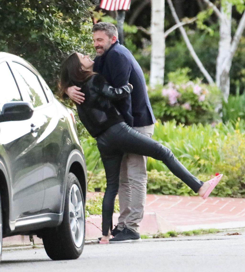 Ana de Armas Sexy The Fappening Blog 75 1024x1139 - Ben Affleck & Ana de Armas Can't Take Their Hands Off Each Other During Romantic Stroll (109 Photos)