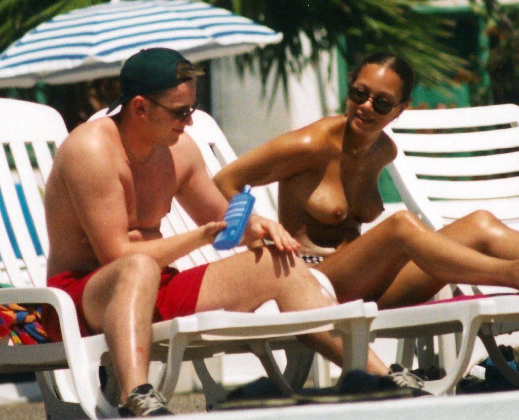 Angela Griffin Is Sunbathing on the Beach (7 Nude Photos)