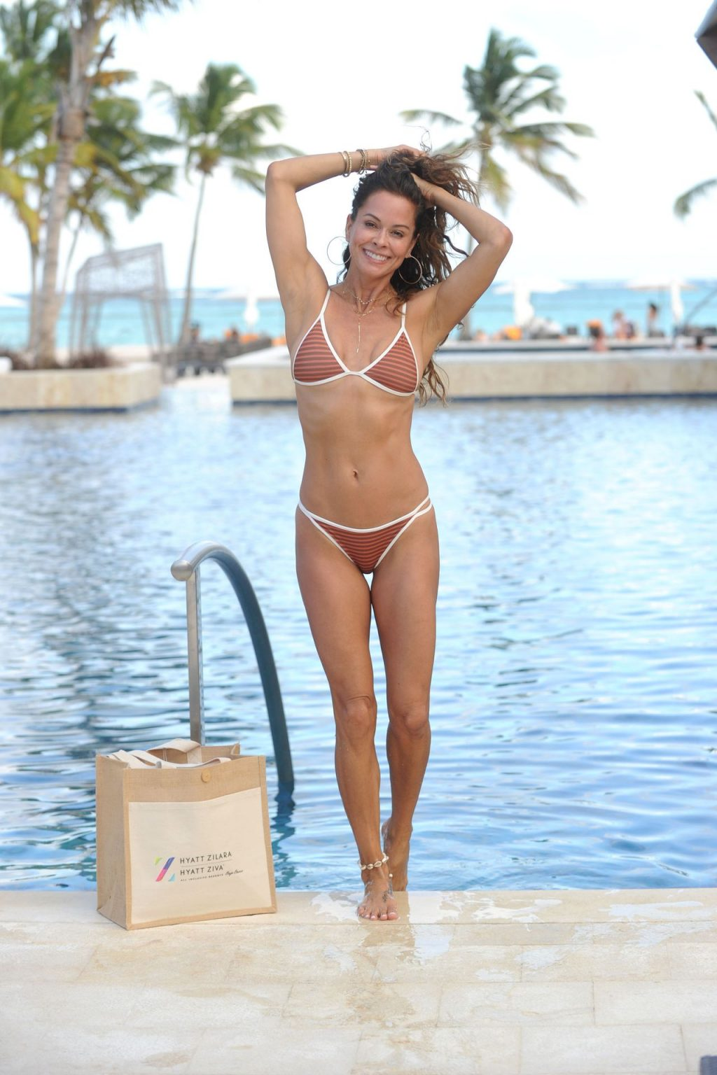 Brooke Burke Poses with her Friends in the Dominican Republic (26 Photos)