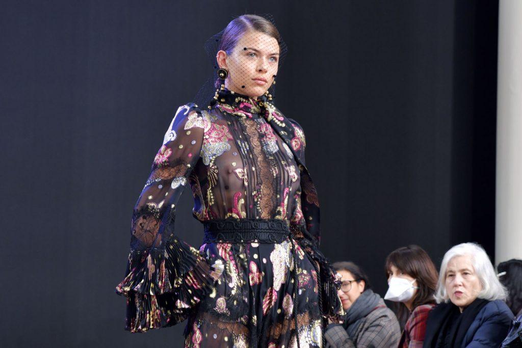 Georgia Fowler Flaunts Her Tits in a See Through Dress at the Elie Saab Fashion Show (8 Photos + Video)
