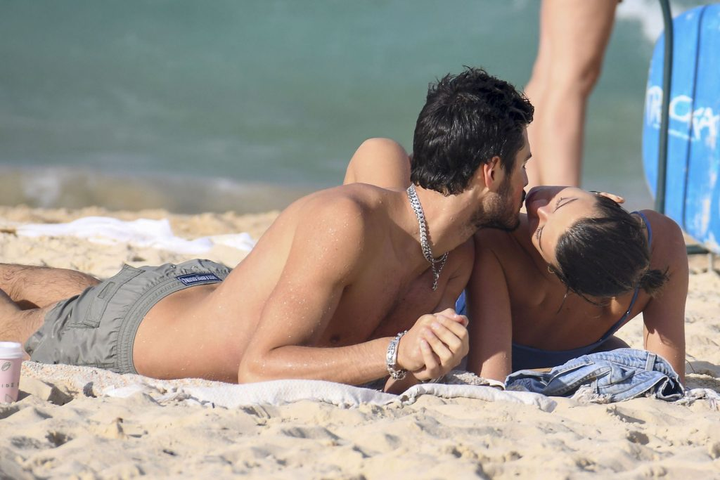 Georgia Fowler Leaves Little to the Imagination on the Beach in Sydney (33 Photos)