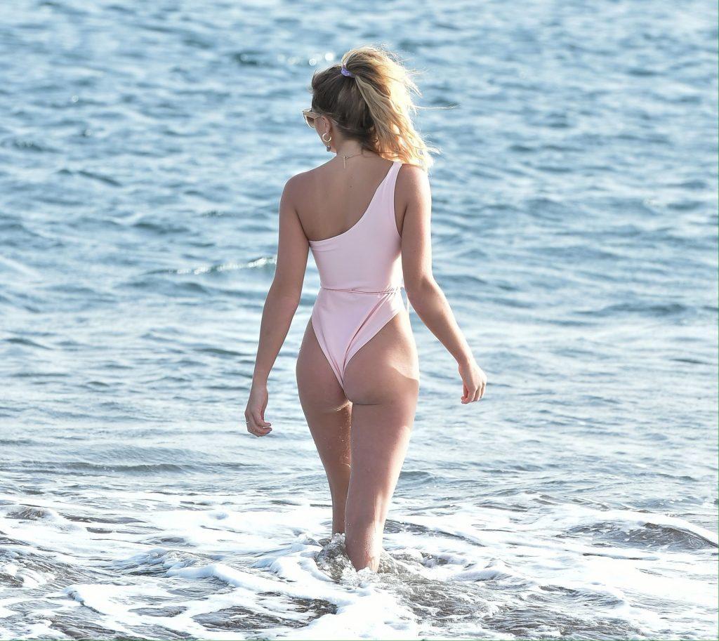Georgia Harrison Enjoys A Day On The Beach In Tenerife (19 Photos)