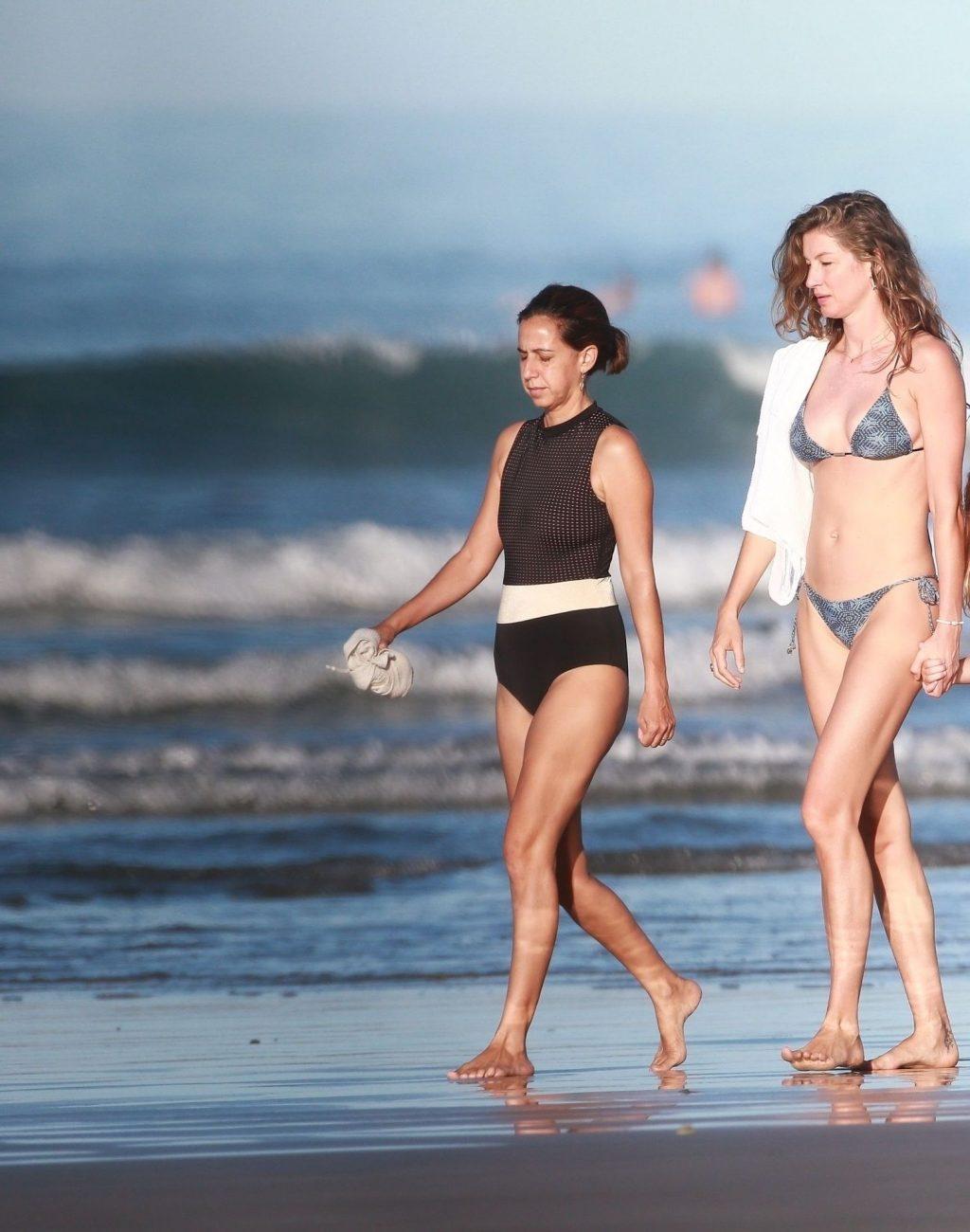 Gisele Bundchen Takes Her Morning Walk in Costa Rica (21 Photos)