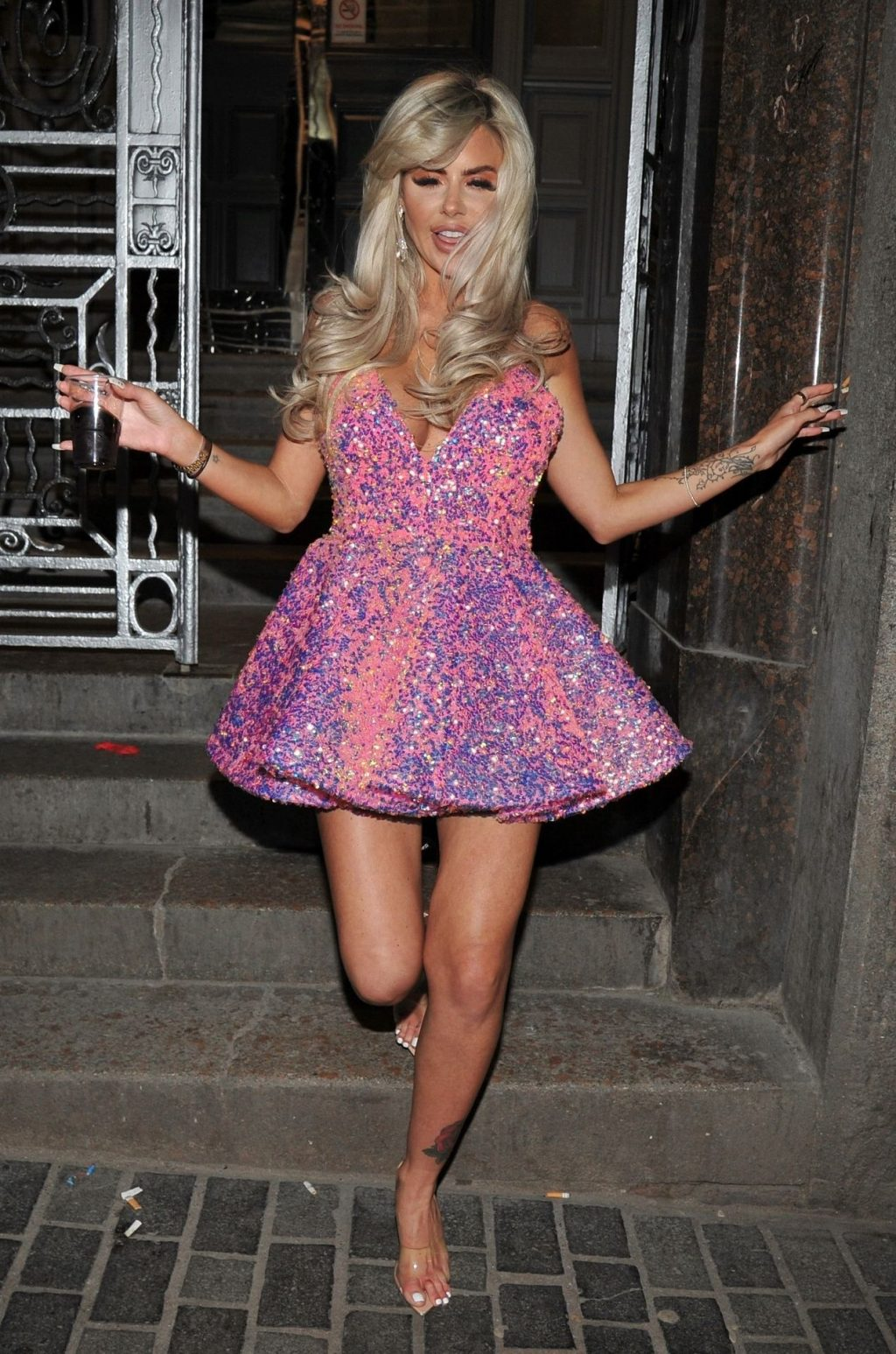Hannah Elizabeth Spotted Out in Liverpool (11 Photos)