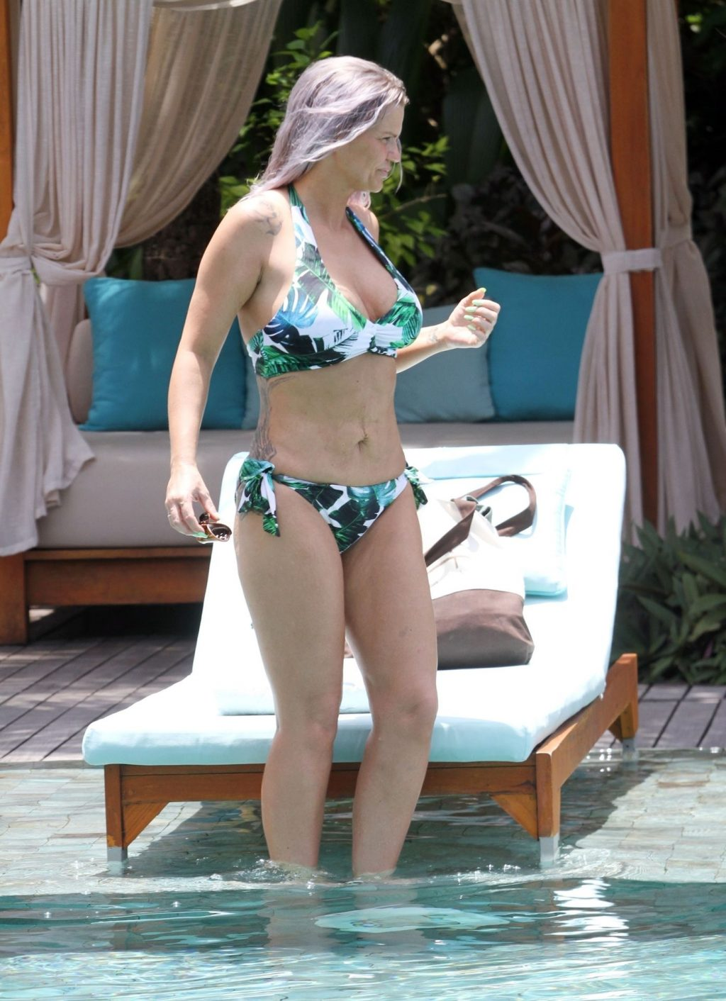 Kerry Katona Shows Off Her Recent 3 Stone Weight Loss on a Break with Ryan Mahoney (57 Photos)