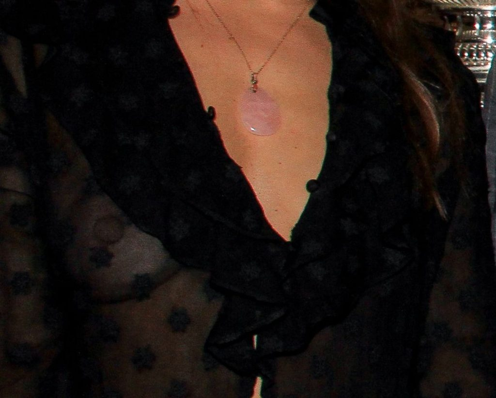 Natasha Andrews Shows Her Big Nipples in Paris (7 Photos)