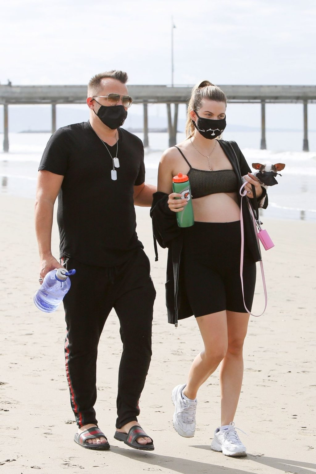 Rachel McCord Wears a Mask and Shows Off her Baby Bump at the Beach (15 Photos)
