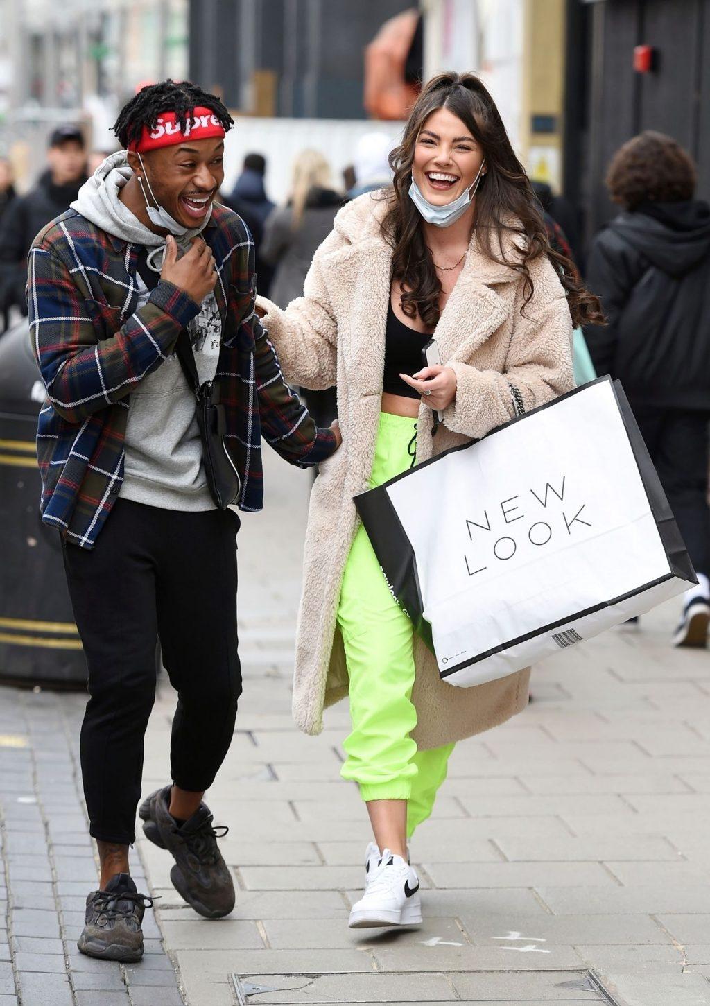 Rebecca Gormley & Biggs Chris Are Seen Kissing for the Cameras in London (22 Photos)