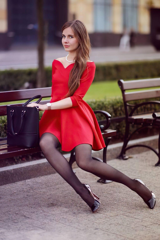 Sexy Ariadna Majewska Poses in a Red Dress (13 Photos)