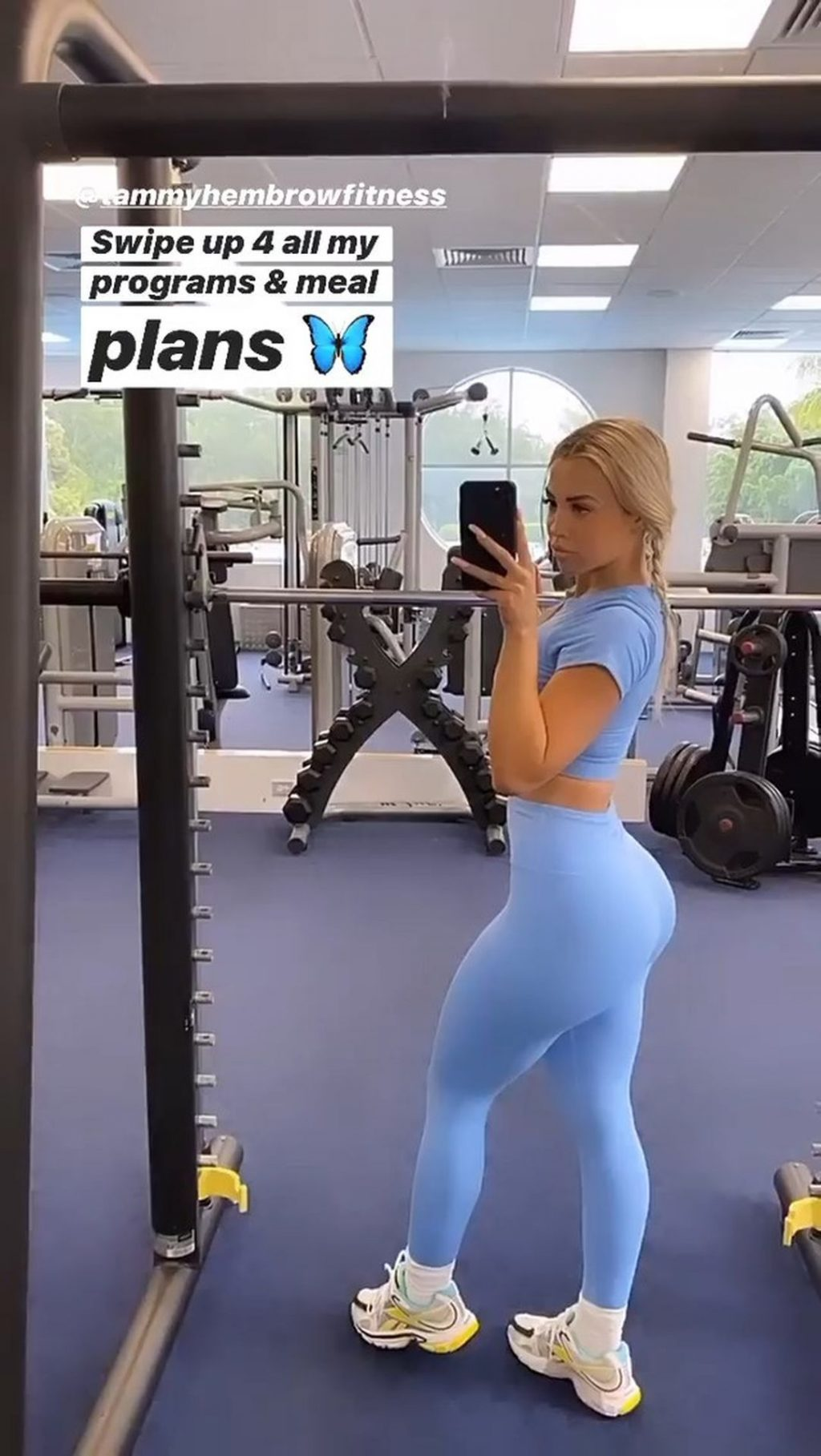 Tammy Hembrow Pictured While Going to Gold Coast Gym (21 Photos + Video)