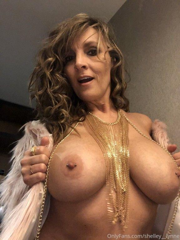 Shelley Lynne Nude (26 Photos)