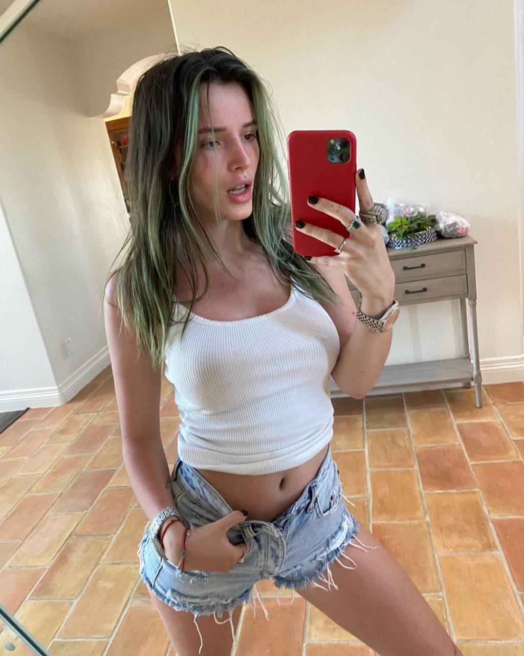 Annabella Thorne Sexy (4 Hot Photos)