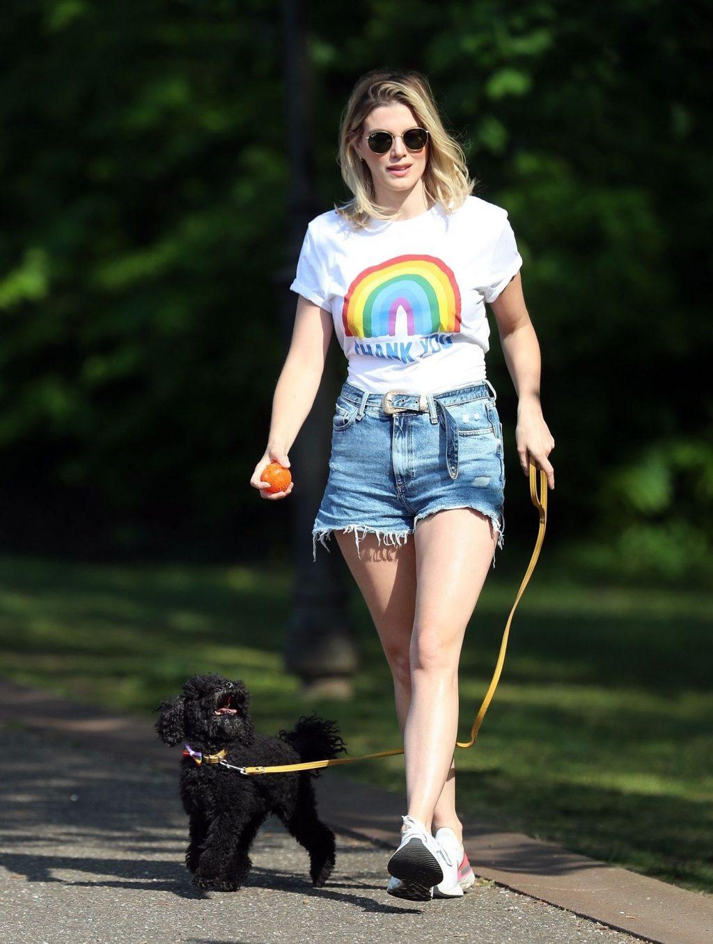 Leggy Ashley James Looks Great in Denim Shorts (27 Photos)