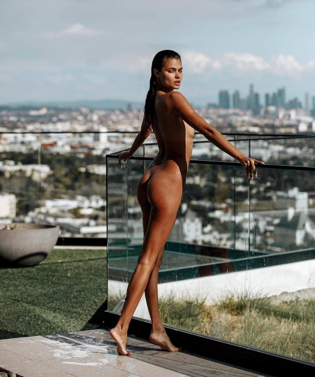 Daniela Braga Nude (6 Photos)