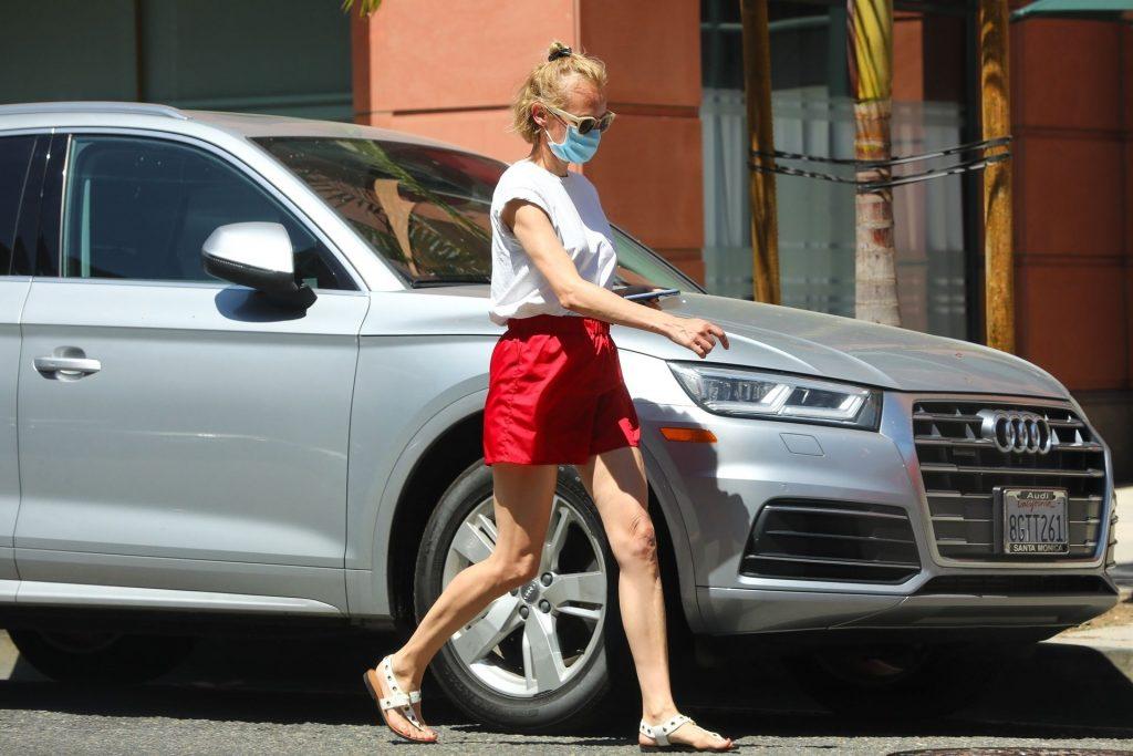 Leggy Diane Kruger Grabs Frozen Yogurt To-Go (21 Photos)