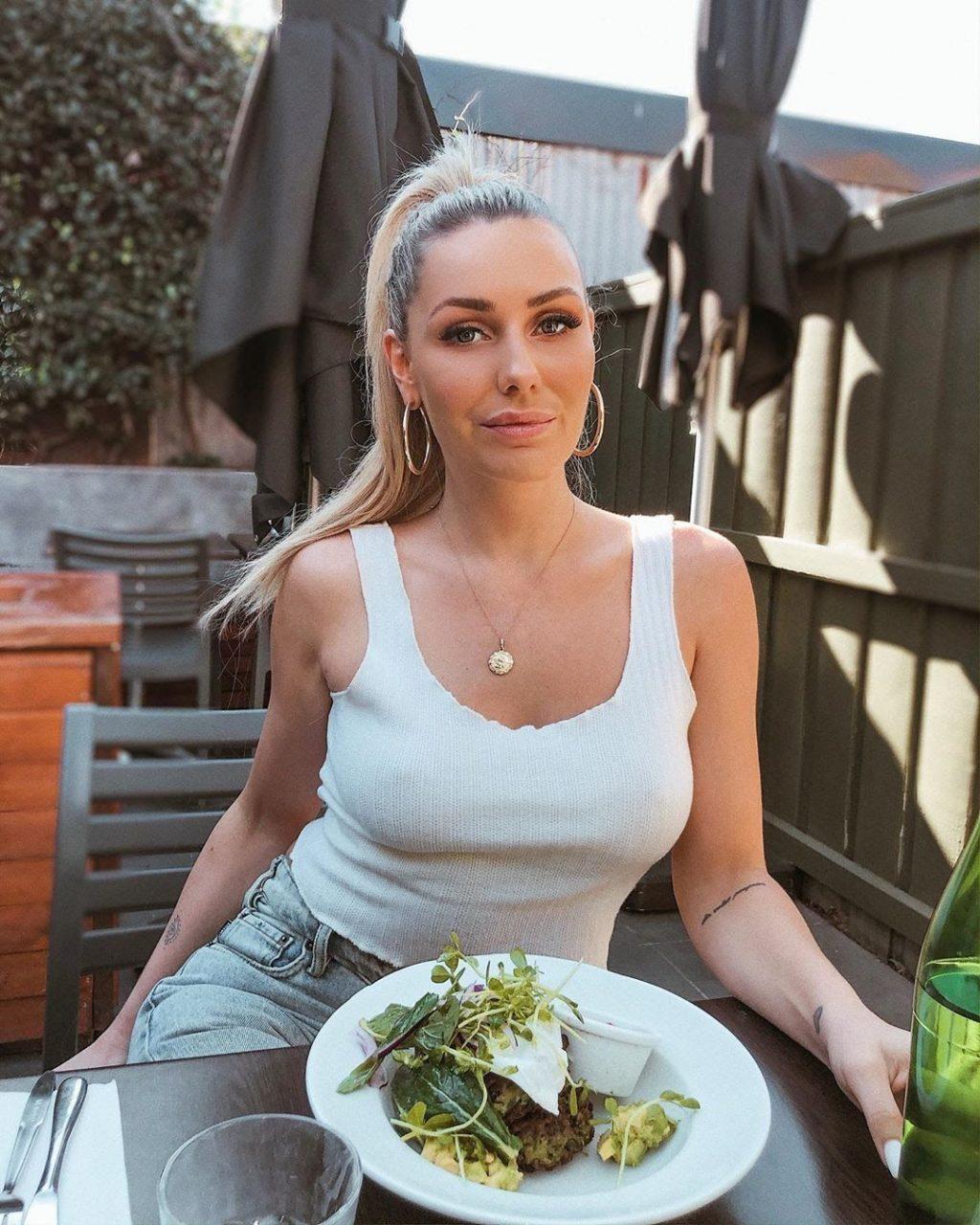 Florence Alexandra Sexy (35 Photos)