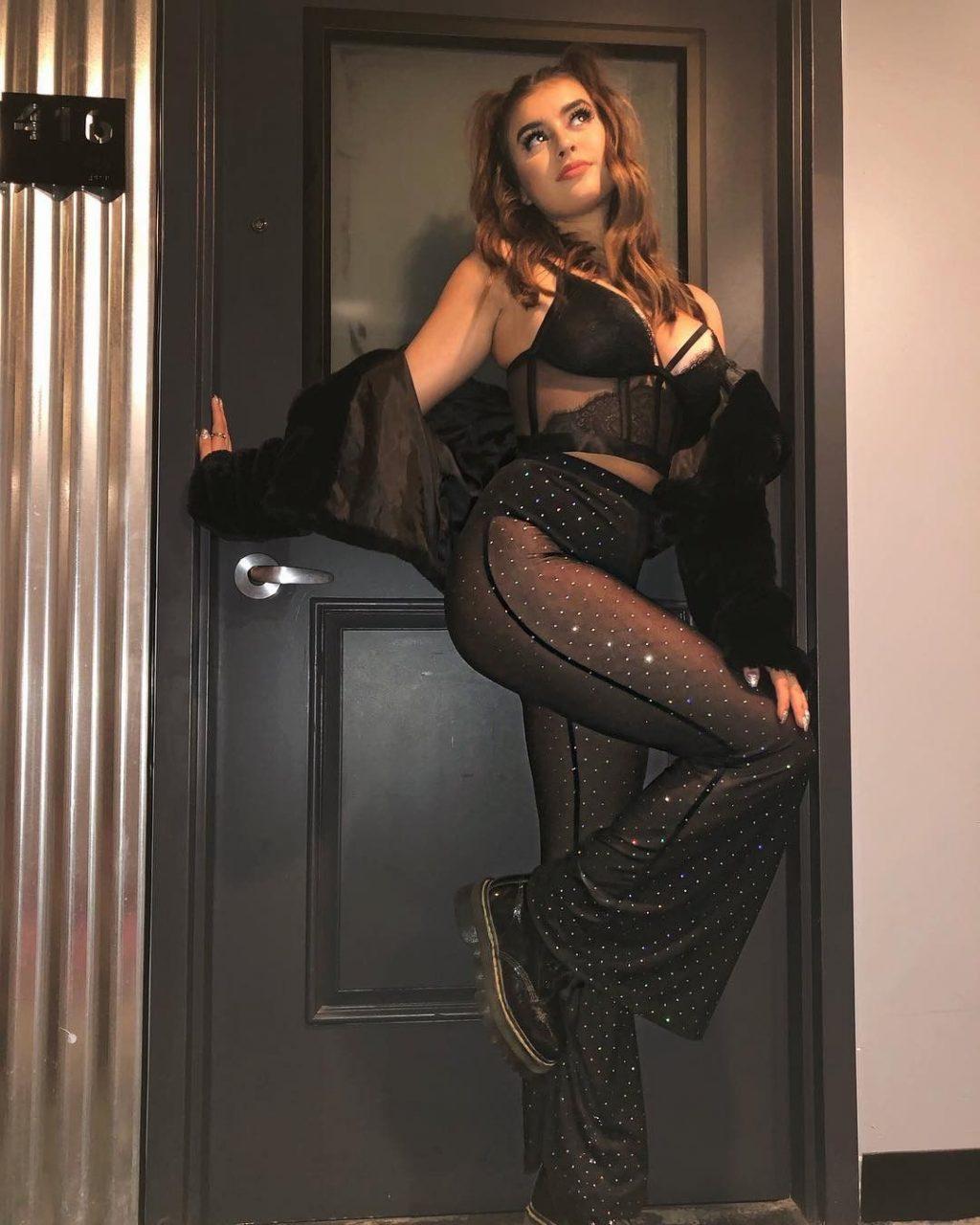 Kalani Hilliker Sexy (91 Photos)