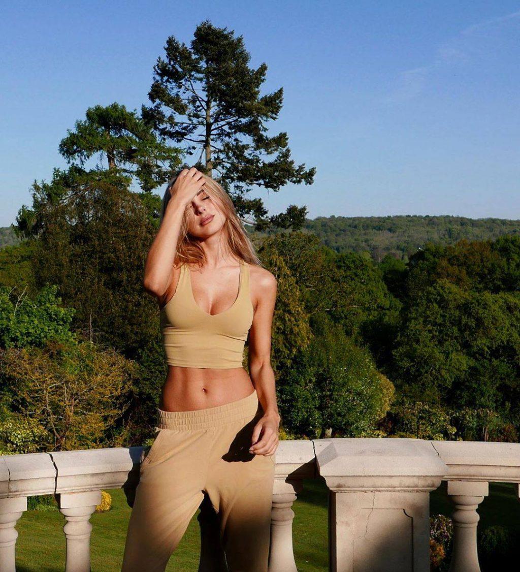 Kimberley Garner Sexy (7 New Photos)