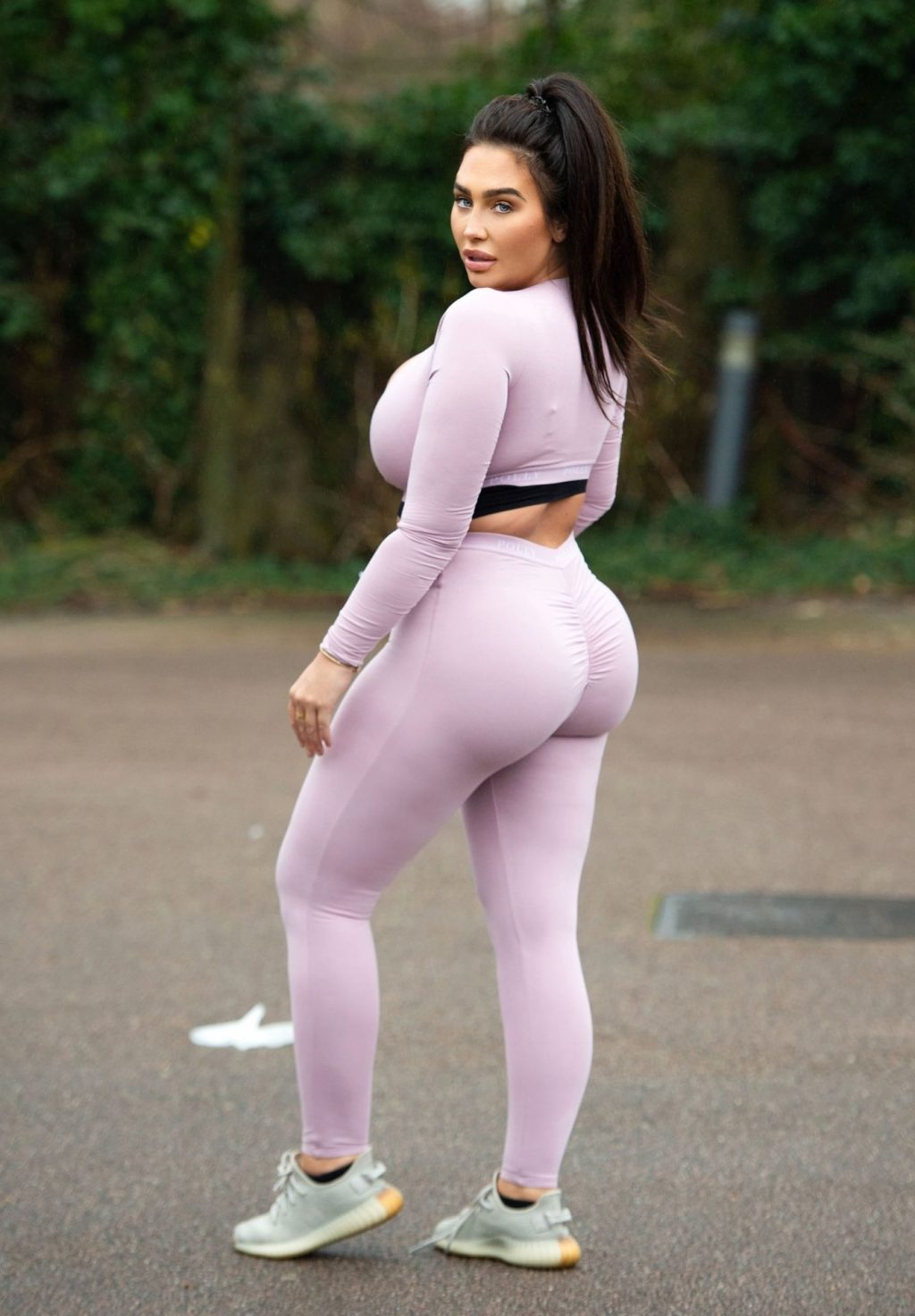 Lauren Goodger Is Seen Leaving Her House To Go Out For A Morning Run (20 Photos)