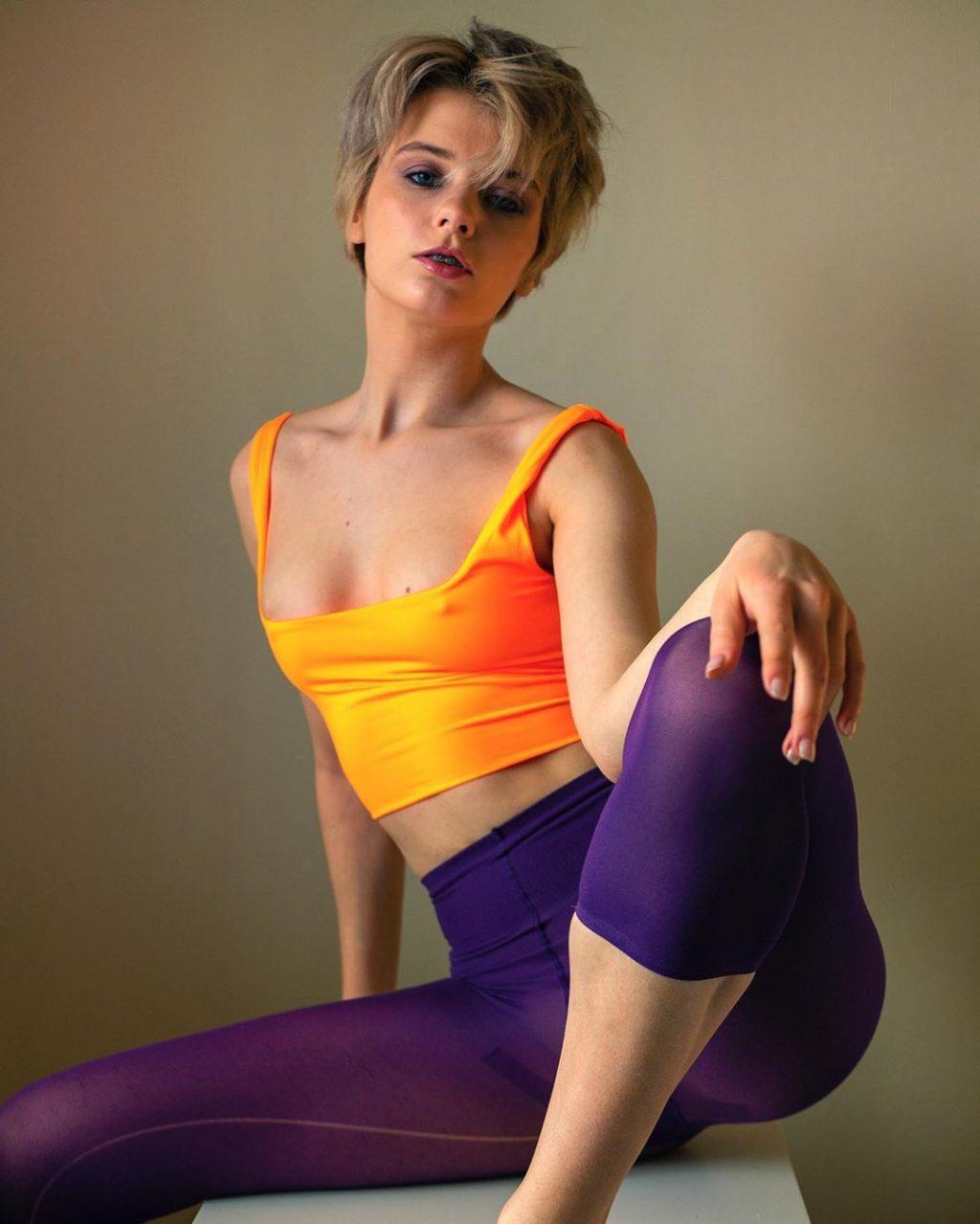 Marta Gromova Nude & Sexy (12 New Photos)