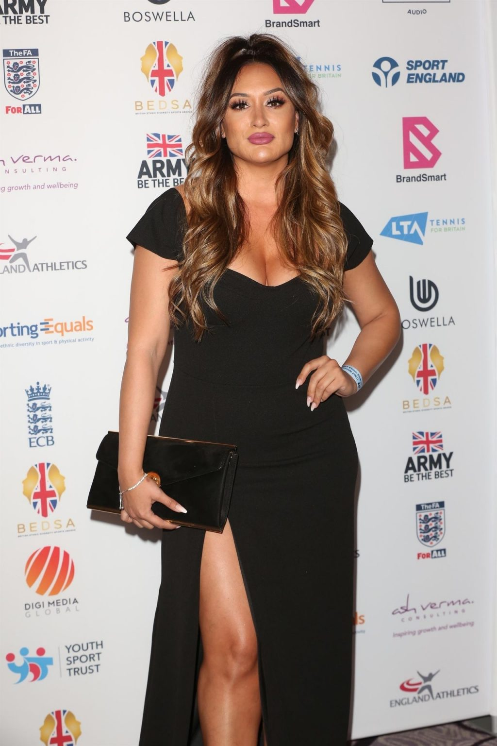 Michelle Joy Phelps Shows Her Cleavage at the British Ethnic Diversity Sports Awards (11 Photos)