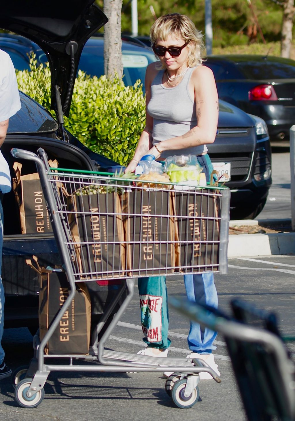 Miley Cyrus & Cody Simpson Are Spotted Shopping in Los Angeles (19 Photos)