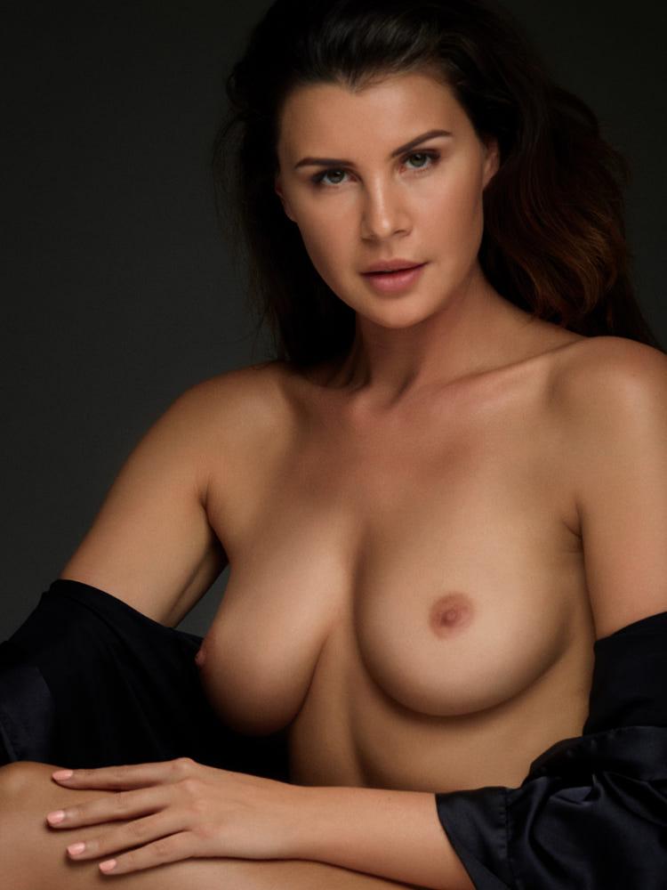 Olga Kaminska Nude (4 Photos)