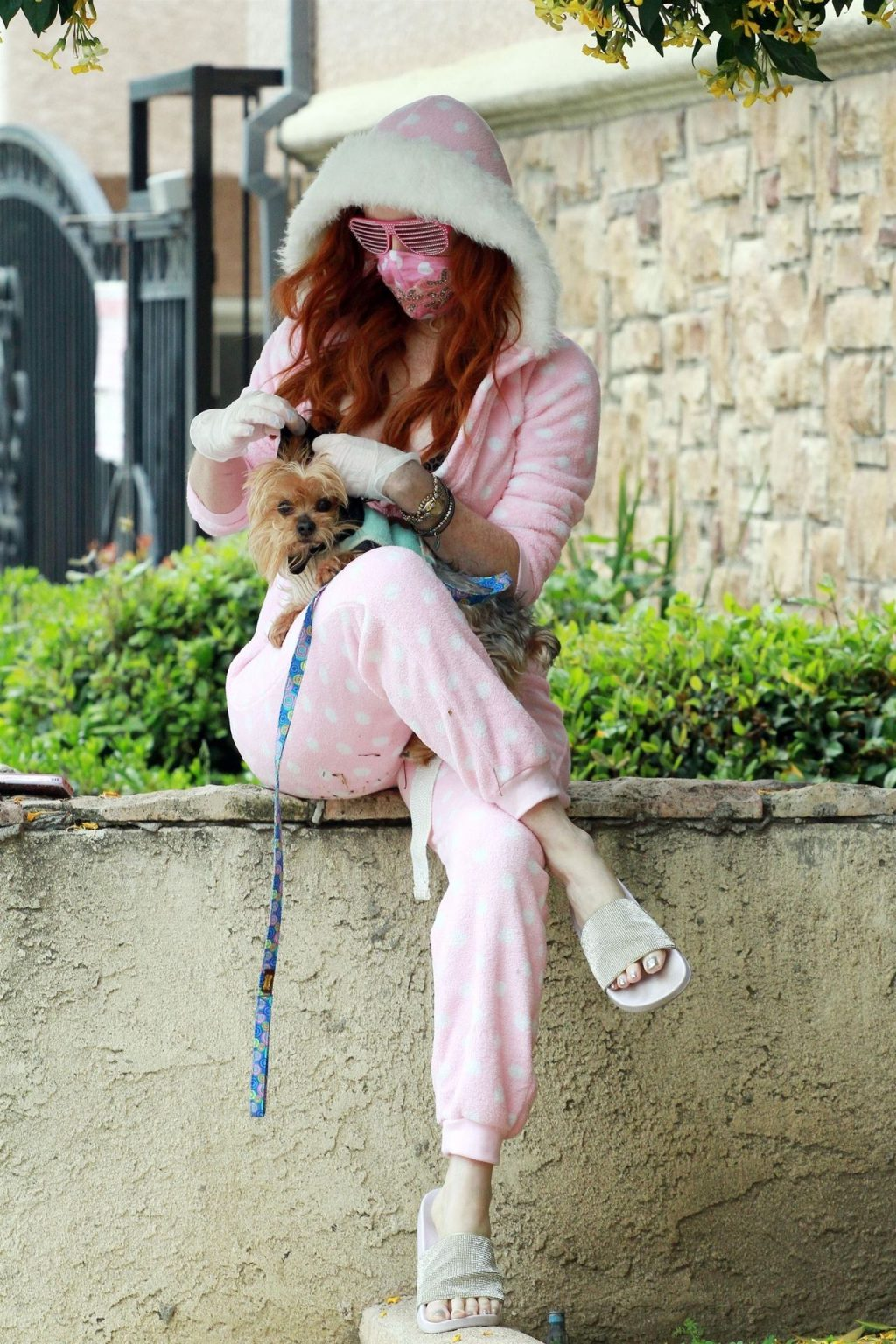 Phoebe Price Steps Out in Her Pajamas (21 Photos)