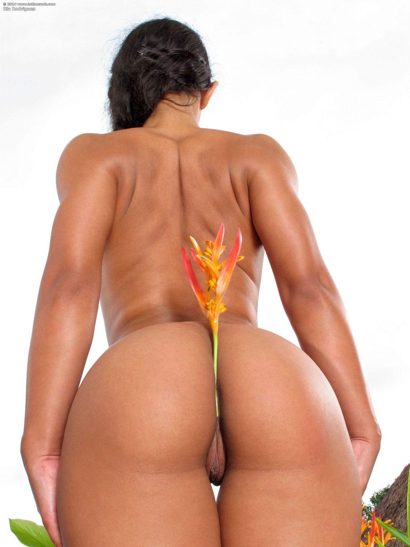 Ria Rodriguez  nackt