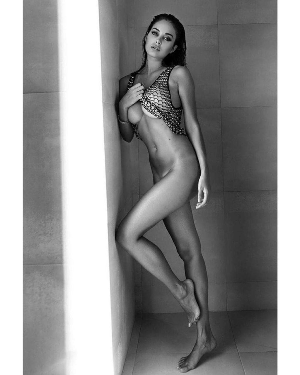 Susanna Canzian Nude (7 Photos)