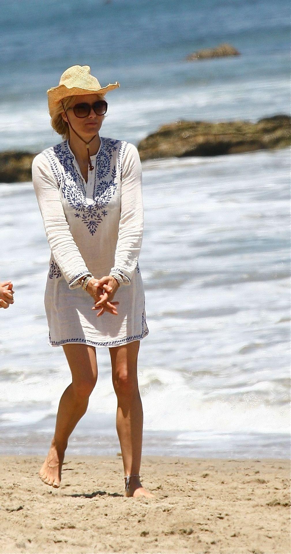 Téa Leoni & David Duchovny Display Their Beach Bodies in Malibu (25 Photos)