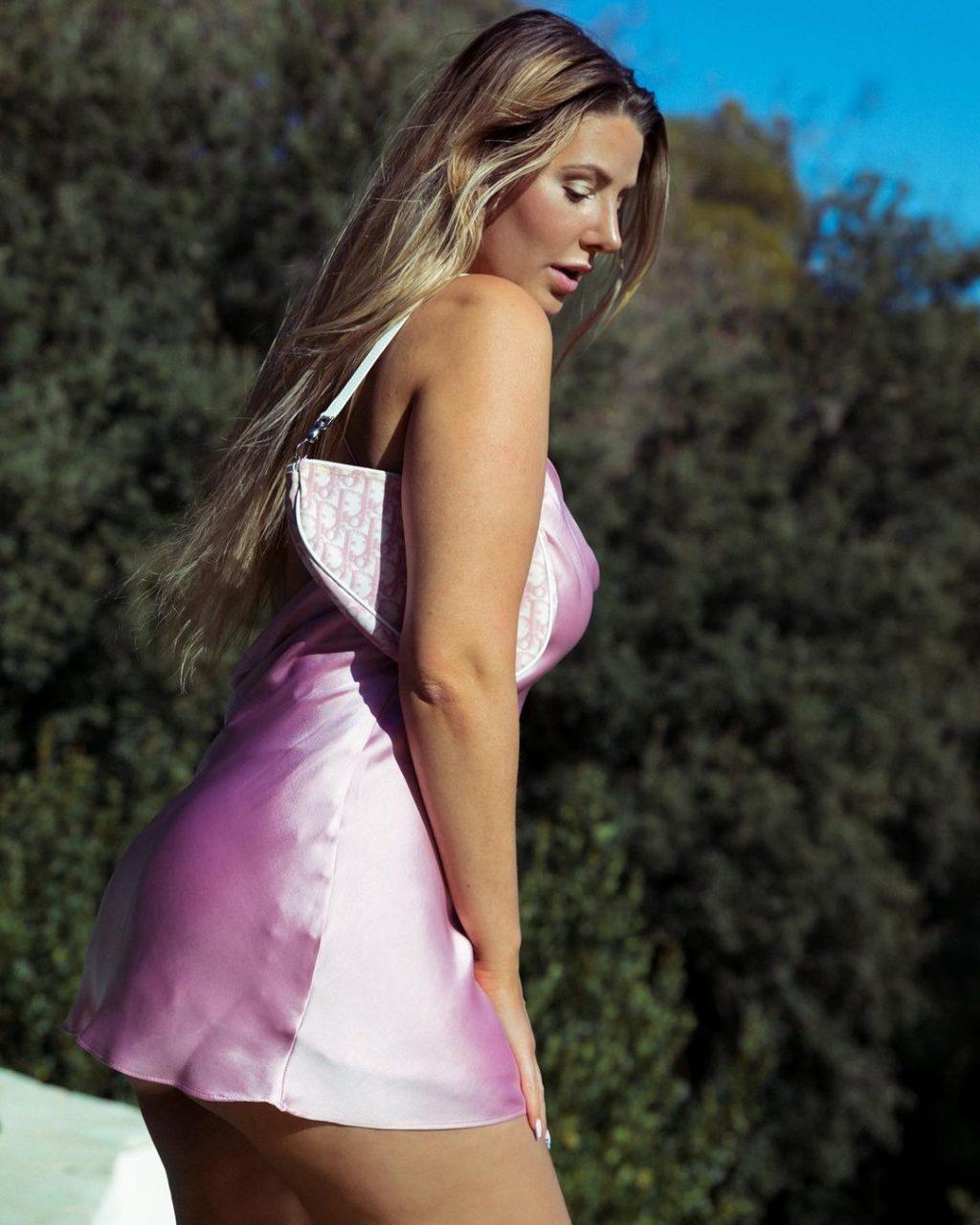 Emma CakeCup Nude & Sexy (33 Photos)
